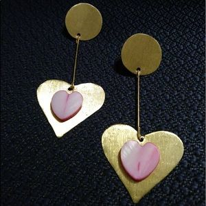 Brass and nacre hearts earrings